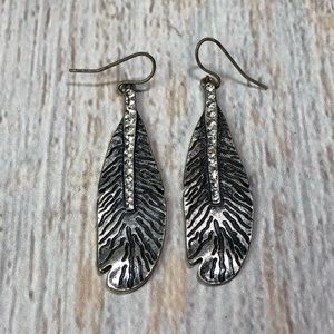 Vintage sty Silver Feather Earrings with stones